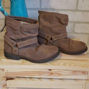 Roxy Brown Ankle Boots Size 6